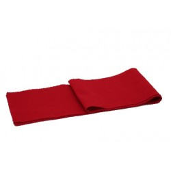 Couvre clavier rouge pour piano.