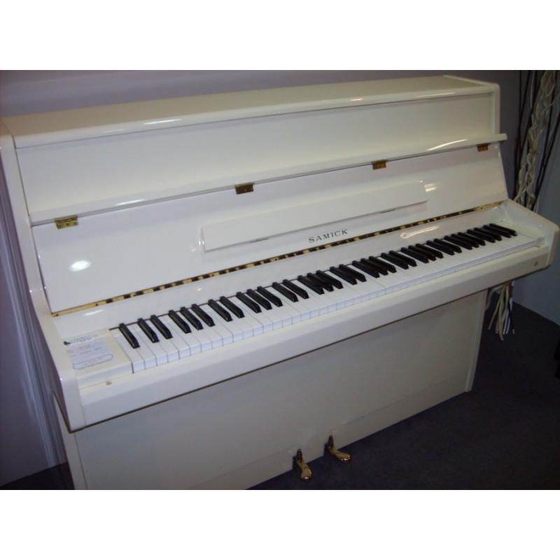 piano droit d 39 occasion samick s108 s ivoire brillant. Black Bedroom Furniture Sets. Home Design Ideas