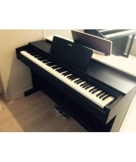 YDP143 Yamaha piano numérique Arius d'occasion noir