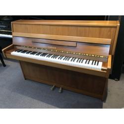 Piano d'occasion Yamaha E108 merisier satiné