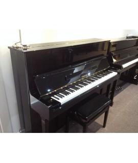 Piano d'occasion Tokai 121 noir verni